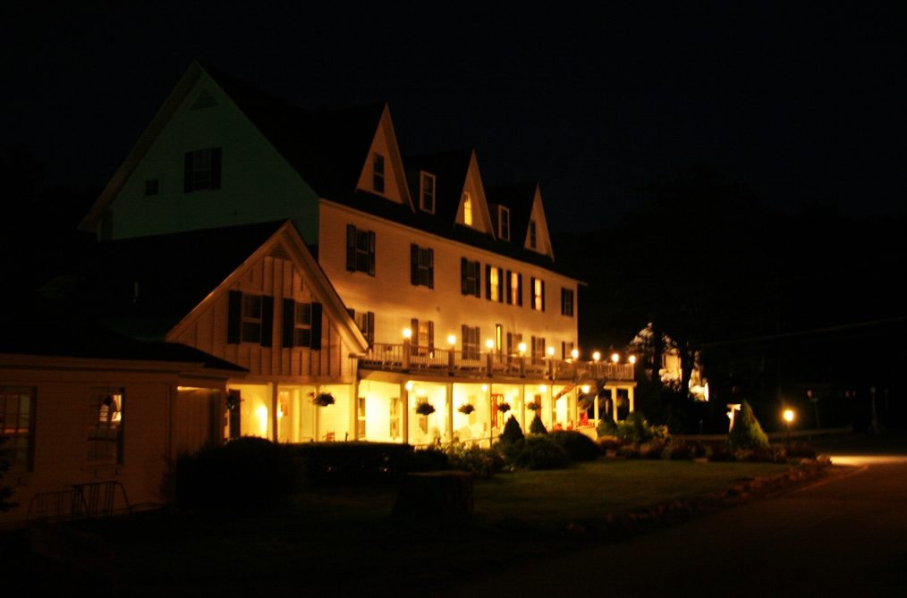 Echo Lake Inn at night